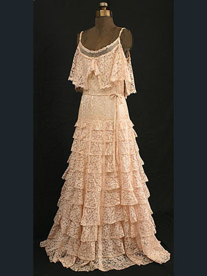 Chanel couture silk lace/tulle dress, c.1937. Label: Chanel with couture number on the back. Featured in the Chanel exhibit at the Metropolitan Museum of Art.