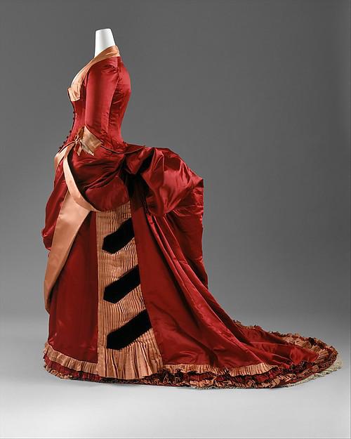 Evening Dress, American or European, c. 1884 – 1886, silk; The Metropolitan Museum of Art (C.I.63.23.3a, b)